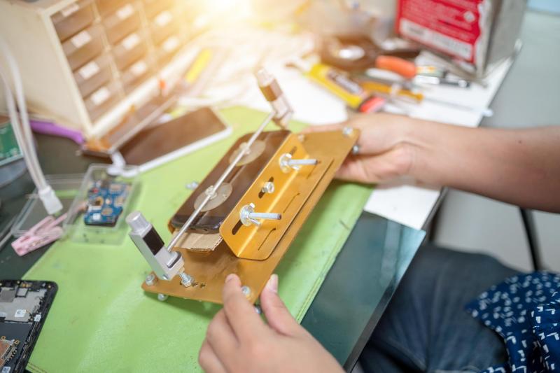 מעבדת סלולר עד הבית – כמה סיבות טובות למה כדאי להזמין